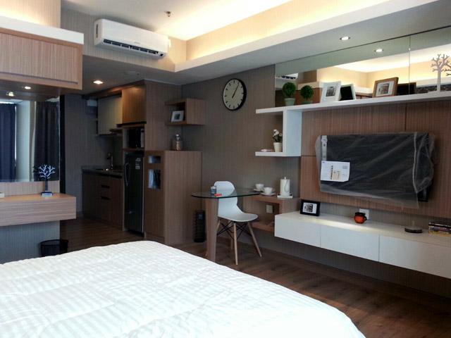 H Residence master bedroom 01