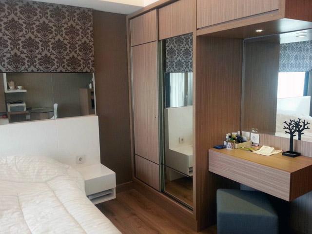 H Residence master bedroom 02