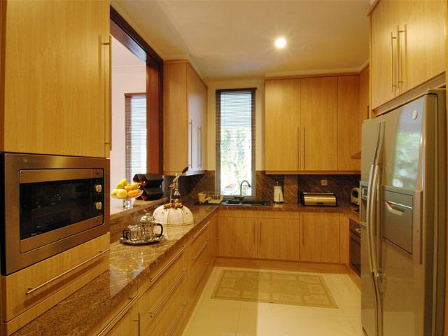 Kitchen Mrs. Komala Permata Hijau Residence