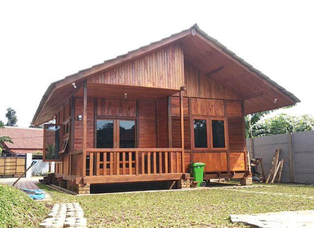 Rumah Kayu Pamoyanan Bogor 01