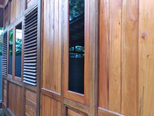 Rumah Kayu Pamoyanan Bogor 03
